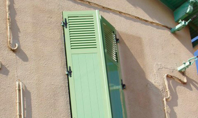 Miroiterie-Degivry-Toulon_Menuiserie-ALU-Volet-battant-2