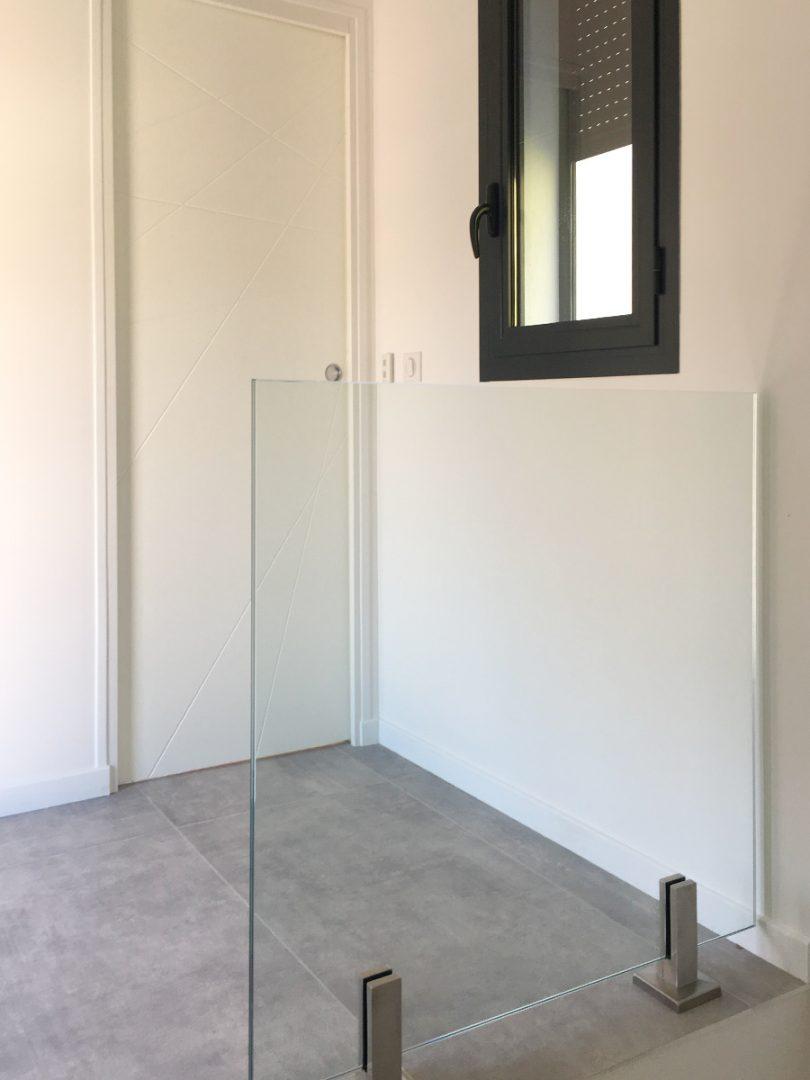 Miroiterie-Degivry_Toulon-Var_Garde-corps-verre-escalier-Seuil-2