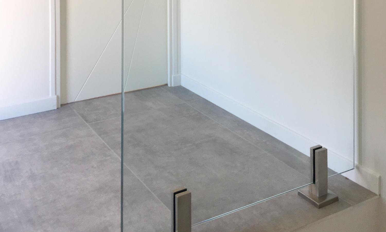 Miroiterie-Degivry_Toulon-Var_Garde-corps-verre-escalier-Seuil