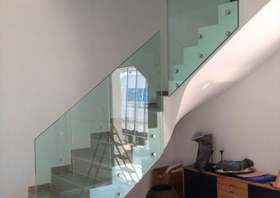 Miroiterie-Degivry_Toulon-Var_Garde-corps-verre-escalier-quart-tournant